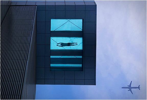 holiday-inn-shangai-swimming-pool-4