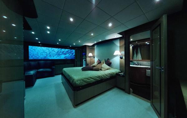 7-lovers-deep-submarine-hotel2